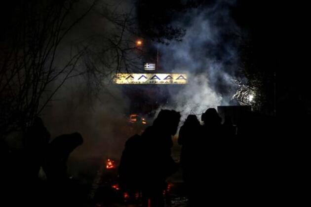Jiletli tellerle barikat kurdular! Edirne'ye gelişler devam ediyor