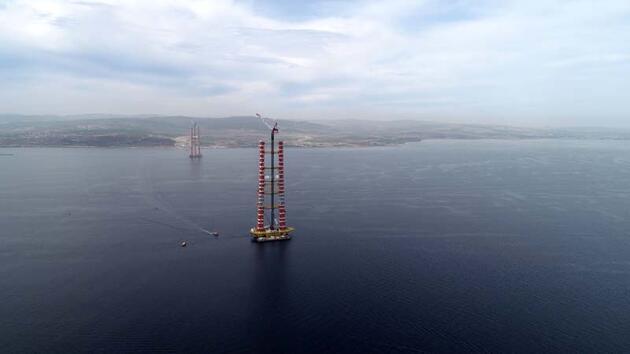 1915 Çanakkale Köprüsü kulelerinde 207 metre aşıldı