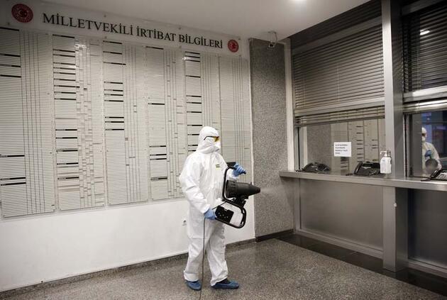 Meclis'te koronavirüs için dezenfeksiyon yapıldı
