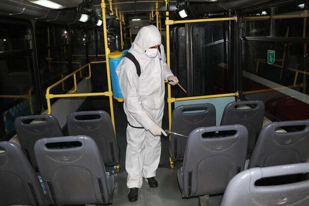 Diyarbakır'da toplu taşıma araçları dezenfekte ediliyor