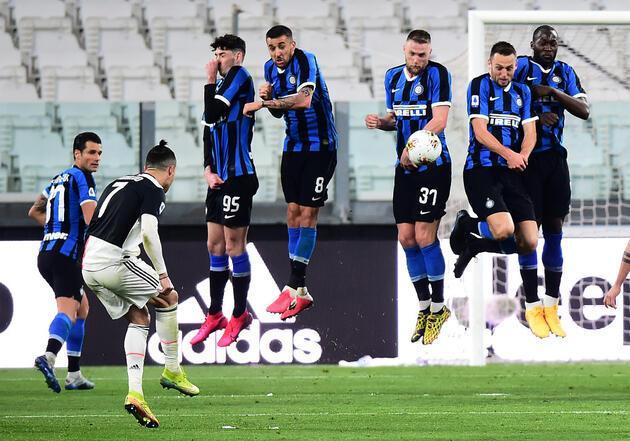 İtalyan futboluna koronavirüs darbesi!