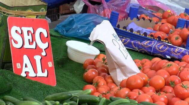 Semt pazarında koronavirüs tedbirlerine uyulmadı