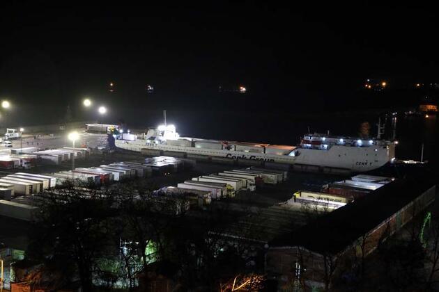 Ukrayna'dan gemiyle gelen 34 TIR şoförü karantina altına alındı