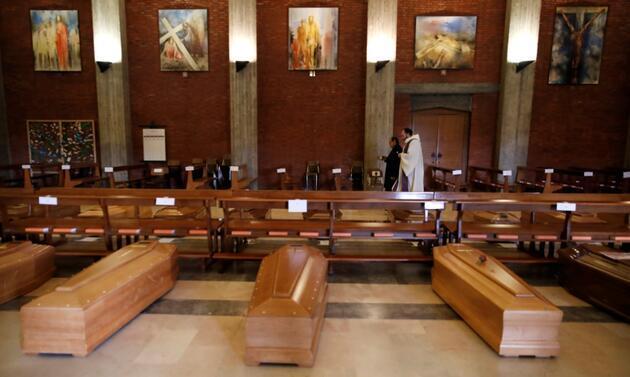 Uzmanlardan dikkat çeken İtalya iddiası: Mezarlar açılabilir