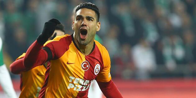 Galatasaray'da Radamel Falcao şoku!
