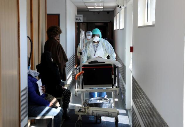 Fransa'da ürküten koronavirüs açıklaması: 17 milyon kişi hayatını kaybedebilir