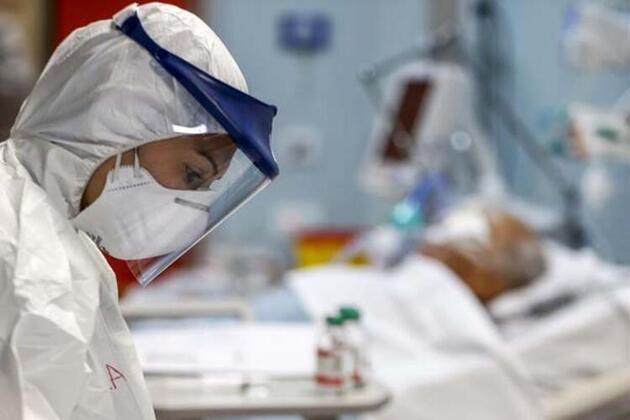Koronavirüs hastası yoğun bakımda nasıl 'delirdiğini' anlattı