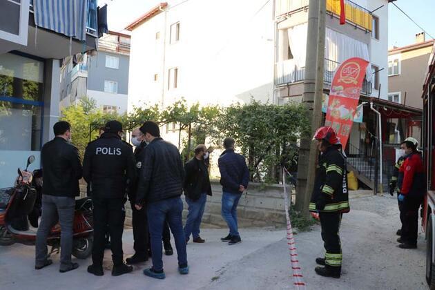 Denizli'de vahşet: Uyuyan oğlunu başına keserle vurup, koltuğu ateşe vererek öldürdü