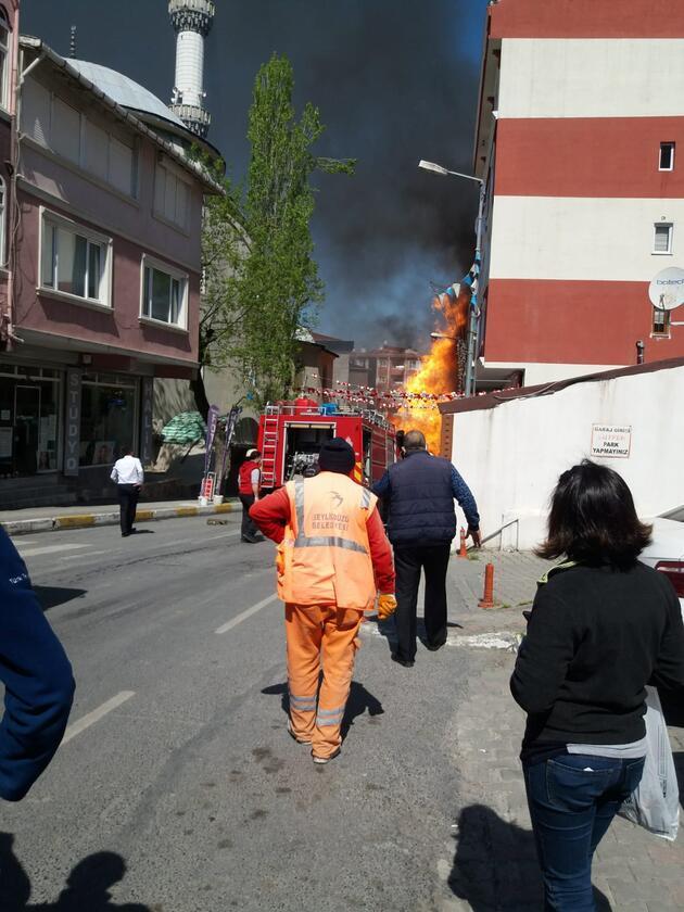 Son dakika... İstanbul'da doğal gaz borusunda patlama