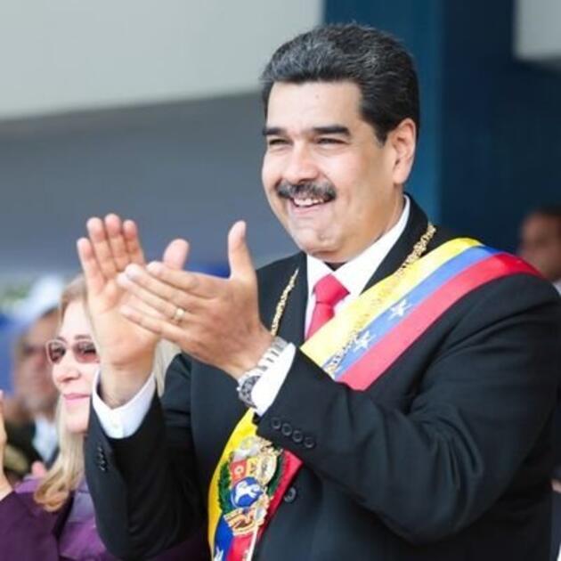 """Venezuela lideri Maduro canlı yayında telefon numarasını paylaştı: """"Beni tüm gruplarınıza dahil edin"""""""