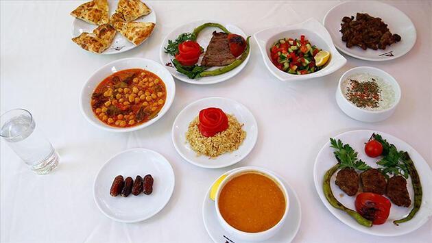 Uzmanlardan reflü hastalarına sahur ve iftar önerileri