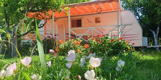 Koronavirüsten uzak doğayla iç içe tatil! Kamp, karavan ve bungalov tesislerine talep arttı