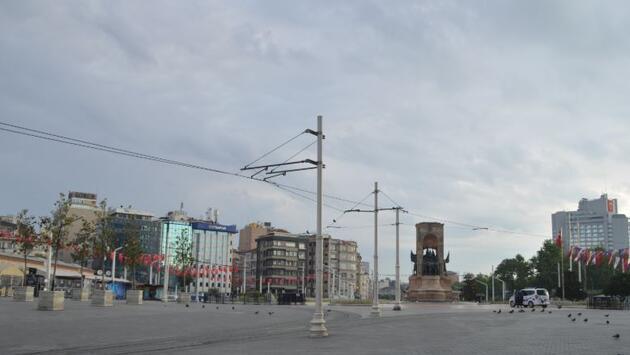 4 günlük kısıtlamanın ilk gününde İstanbul boş kaldı