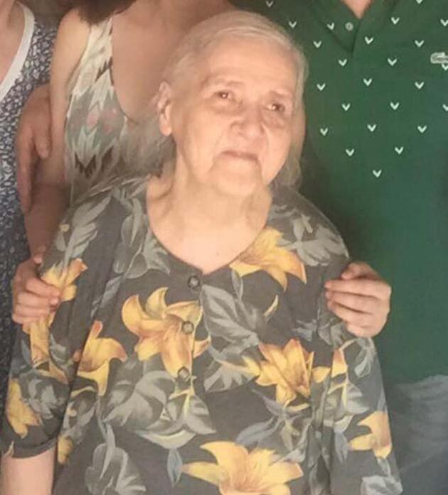 Kara Kuvvetleri Komutanı Dündar, annesini son yolculuğuna uğurladı