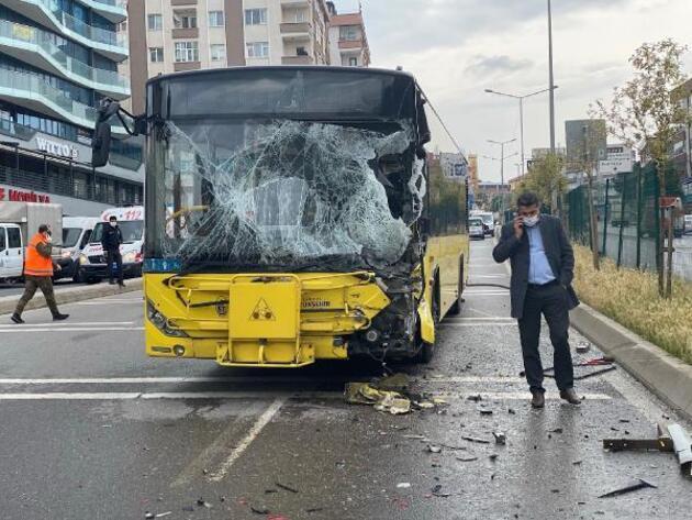 İETT otobüsü sulama aracına çarptı: 7 yaralı