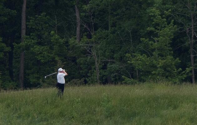 100 bine yakın kişinin öldüğü ABD'de golfe giden Trump'a büyük tepki