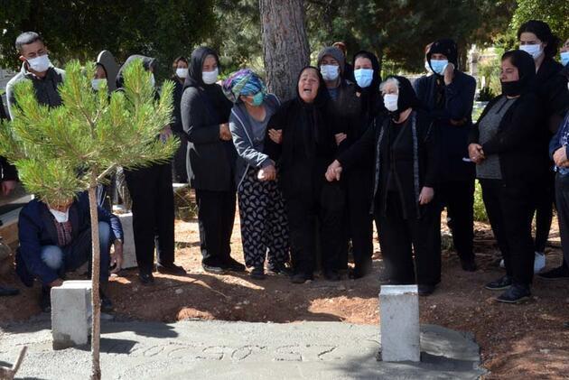Milli boksörün öldürdüğü Zeynep, gözyaşları ile toprağa verildi