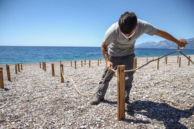 """Antalya'nın dünyaca ünlü plajında """"deniz keyfi"""" sosyal mesafeli olacak"""