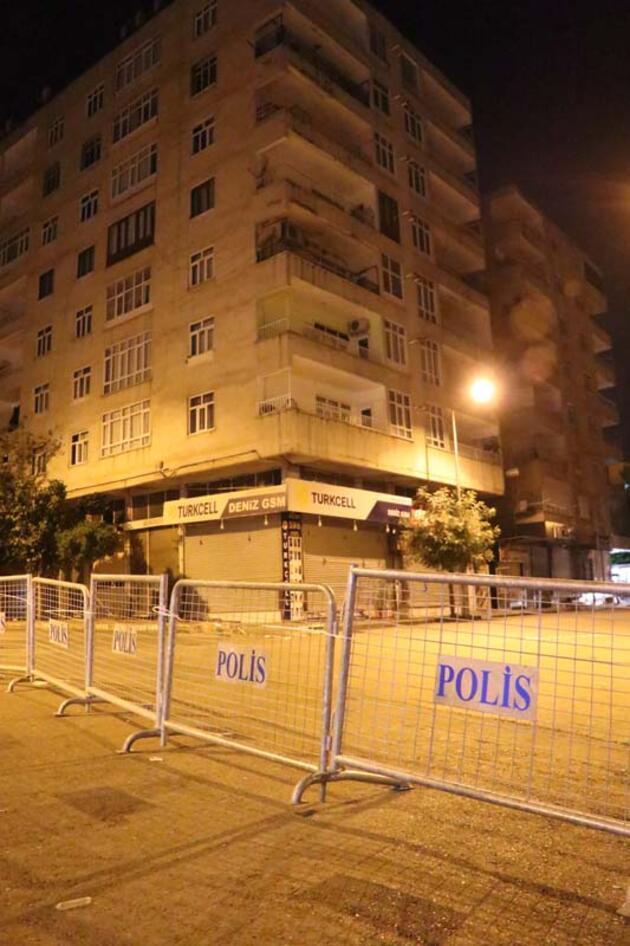 Çökme tehlikesi bulunan bir bina ile çevresindeki binalar boşaltıldı