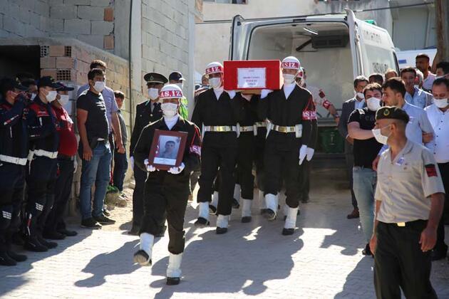 Hakkari'de şehit olan Piyade Er Mehmet Günay son yolculuğuna uğurlandı