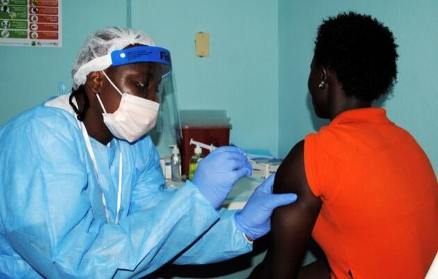 Dünya Sağlık Örgütü duyurdu: Ebola salgını yeniden başladı, ülke alarma geçti