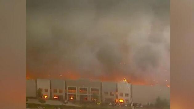 ABD'nin Kaliforniya eyaletinde Amazon şirketine ait depoda yangın