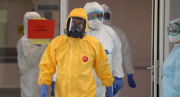 Putin, koronavirüse karşı bu 'dezenfeksiyon tüneli' ile korunacak