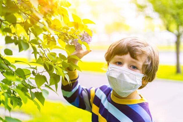 Çocukları tehdit eden 3 yaz alerjisi