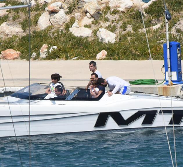 Acun Ilıcalı, sevgilisiyle sürat teknesinde