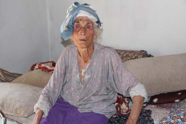 Antalya'da yaşayan asırlık kız kardeşler uzun yaşamlarının sırrını verdi
