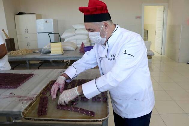 Normalleşme sürecinde ürettiği kurabiyeye, 'moralize' ismini verdi