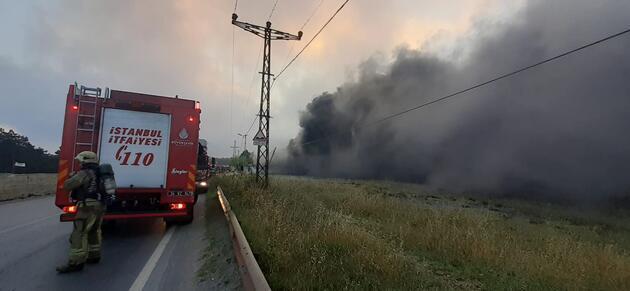 Başakşehir'de fabrikada yangın