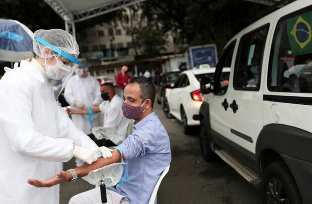 Vaka sayısı 11 milyona yaklaşıyor: İşte anbean koronavirüste yaşananlar
