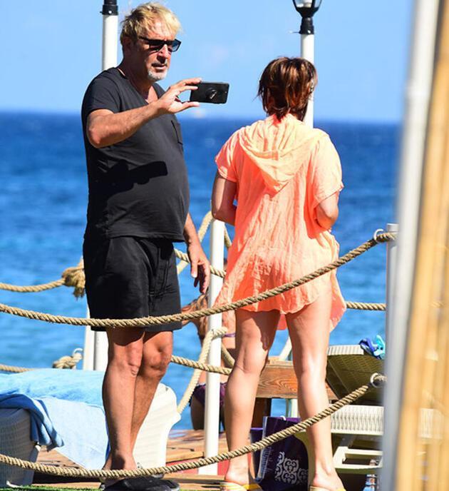 Cem Özer eşinin fotoğraflarını çekti