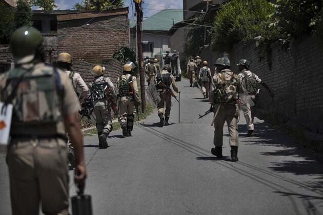 Hindistan'dan 5,2 milyar dolarlık silahlanma adımı