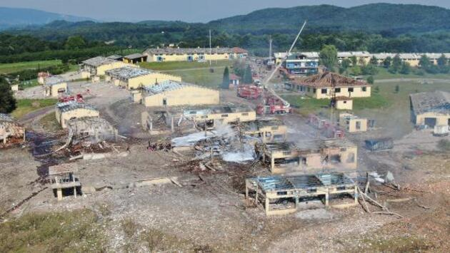 4 kişinin öldüğü havai fişek fabrikasındaki patlamada kayıplar aranıyor