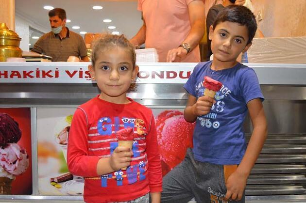 Elazığ'ın patentli lezzeti: Vişneli dondurma