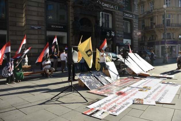 """Avusturya'da darbeci Sisi karşıtı gösteriler! """"Katil rejime desteğe son"""""""
