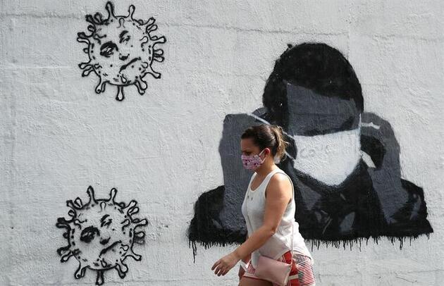 Koronavirüs testi pozitif çıktı... Yaptığı hareket dünyayı şoke etti