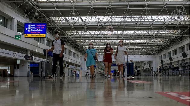 Son dakika... Hollandalı turistler hükümetin 'gitmeyin' uyarısına rağmen Türkiye tatilinden vazgeçmiyor