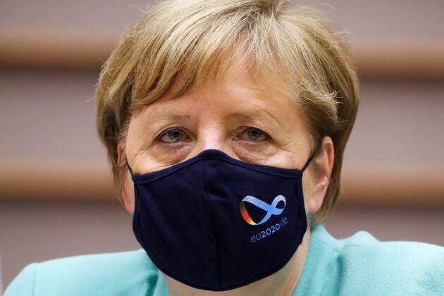 Merkel'e casus şoku: Federal Basın Dairesi'nde yıllardır casusluk yapıyormuş