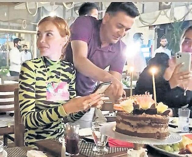 Volkan Demirel'den eşi Zeynep Sever'e 2 sürpriz