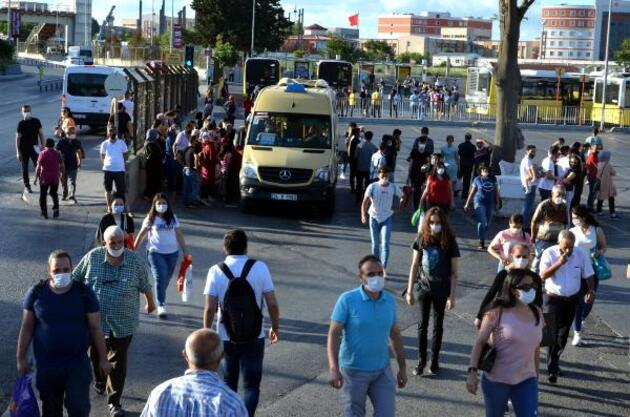 """Son dakika haberleri... Minibüs duraklarında """"ayakta yolcu"""" tartışması"""