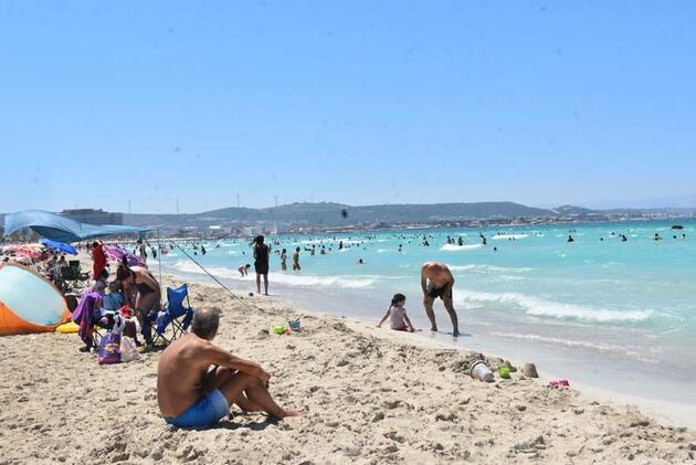 Son dakika... Ilıca Plajı'nda hafta sonu yoğunluğu