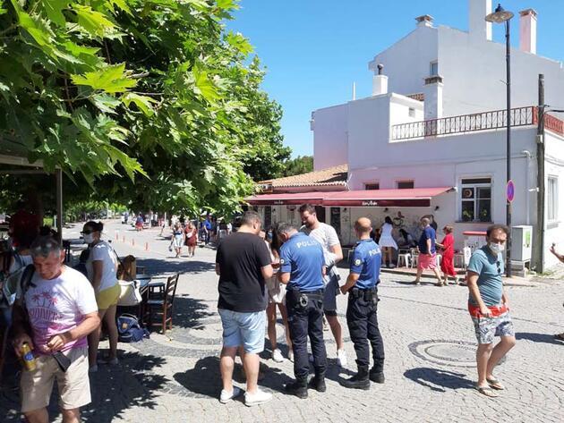 Son dakika... Tatilcilerle dolup taşan Bozcaada'da esnaf mutlu, halk tedirgin