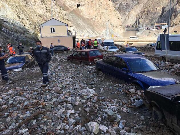 Son dakika... Artvin'de sel felaketi: 1 kişi hayatını kaybetti, 3 kişi kayıp