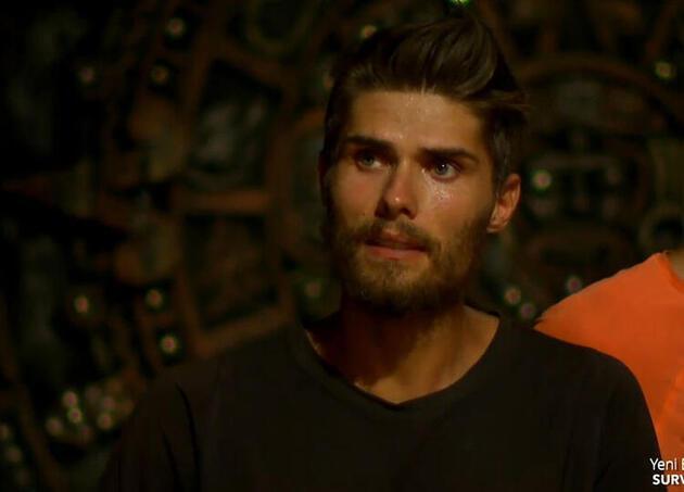 İşte Survivor'da finale kalan 3 isim! Aycan'ın canlı yayındaki sorusu sosyal medyayı salladı
