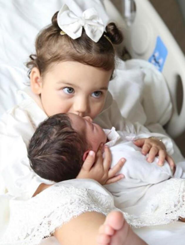 Özlem Ada Şahin-Berkay Şahin çiftinin kızları Zeynep Mira 1 yaşında