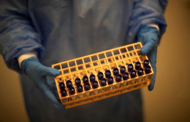 Koronavirüs aşısında İngiltere'den flaş hamle: Toplam 90 milyon doz