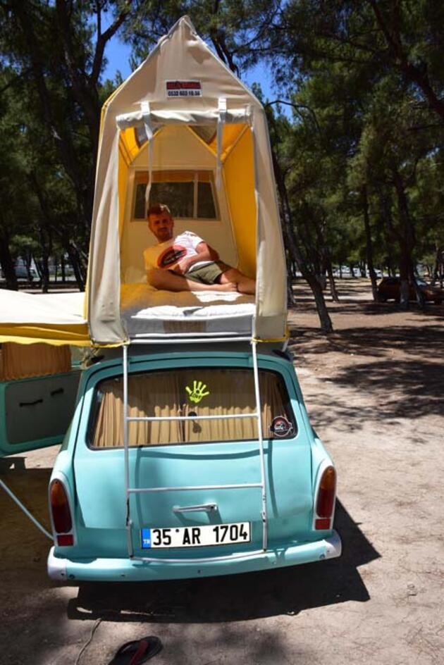 Klasik otomobili karavan yaptı